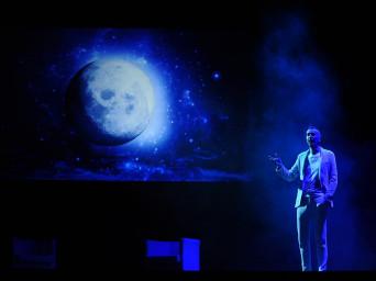 """Il """"salto vitale"""" di Funambolika e l'amore di Brachetti per il circo classico"""