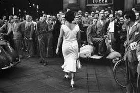 """Il """"lato B"""" di Moira fotografato da Mario De Biasi e custodito al Guggenheim di New York, sarà in mostra alla Galleria Studio di Palermo"""