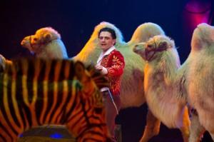 Maycol Errani in pista con gli animali da Knie