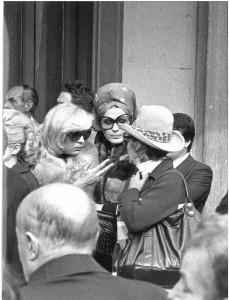 Moira e Liana Orfei al funerale di Darix Togni