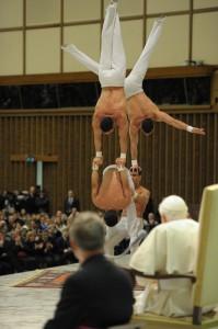 I fratelli Pellegrini durante l'esibizione davanti a Benedetto XVI