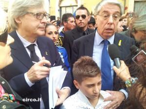 Carlo Giovanardi (con Vittorio Sgarbi e Maicol Martini) durante la manifestazione promossa dall'Ente Nazionale Circhi davanti a Montecitorio