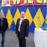 Antonio Buccioni davanti al circo in piazza San Pietro (foto Circo.it)