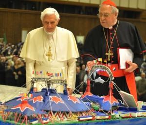 Benedetto XVI con il card. Vegliò: che bello il circo!