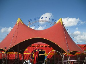 chapiteau-circo-acquatico
