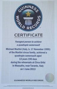 Ecco il certificato che attesta il record mondiale conquistato da Maicol Martini a 13 anni: il quadruplo salto mortale