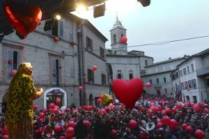 Il piccolo paese di Monte San Giusto straripa di gente ad ogni edizione del festival