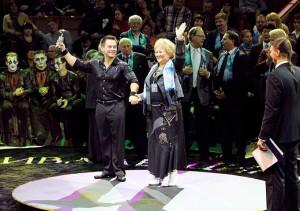 Farzana Khalilova (in questa foto in pista per la premiazione al Festival moscovita Idol) dirige la principale organizzazione circense in Russia: raggruppa 70 compagnie con oltre 8 mila persone e più di 2 mila animali