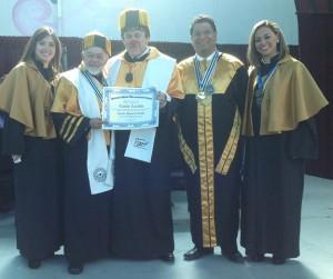 David con il rettore e altri docenti