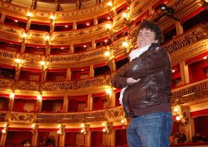 David Larible al Bellini di Napoli, uno dei tanti teatri che ha calcato fra un grande circo e l'altro