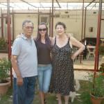 Benito con la moglie Iller e Roberta Bellucci