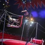 La troupe acrobatica del Circo Nazionale di Pyongyang (foto Christophe Roullin)