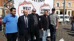 Michele Capasso, Antonio Buccioni, Gaetano, Fabio e Redy Montico alla Giornata mondiale del circo che si è svolta a Latina