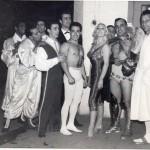 Foto di gruppo nella quale, accanto a Loredana, spicca Darix Togni