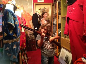 Yuri col fucile di Buffalo Bill