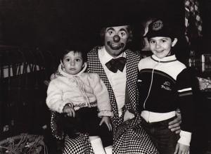 Ancora piccoli in braccio al papà, Luciano Bello