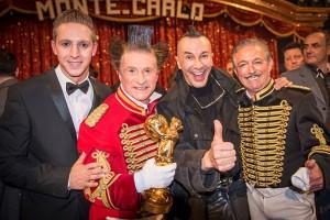 Nico, Gianni e Daris con l'amico d'eccezione Arturo Brachetti, in visita al Festival di Monte Carlo (foto Andrea Giachi)