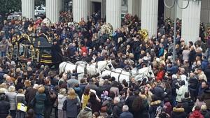 moira-funerale5