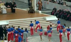 papa-francesco-american-circus