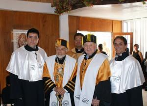 Il dottorato honoris causa attribuitogli nel 2009 dall'università di Puebla in Messico