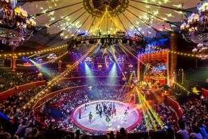 Il magnifico interno dello storico circo francese